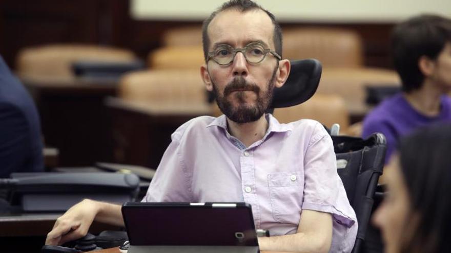 Echenique acusa a Sánchez de querer acumular poder y amenazar con elecciones