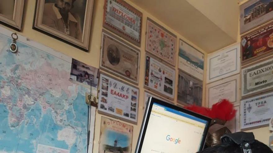 Desde su cuarto para el mundo en días de confinamiento: los radioaficionados