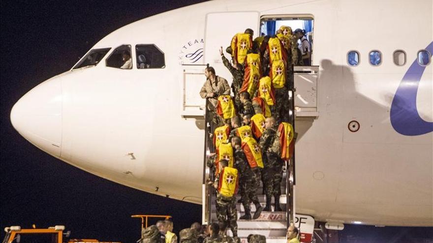 Emoción en la despedida de los militares españoles que parten hacía El Líbano