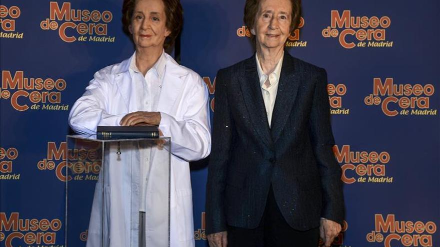 El Museo de Cera de Madrid inaugura una escultura de Margarita Salas