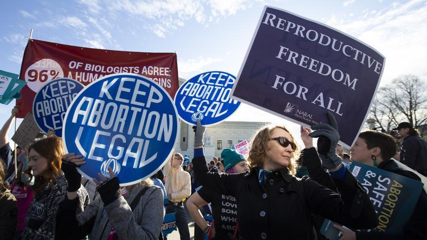 El Supremo de EEUU acepta a trámite un caso que amenaza el derecho al aborto