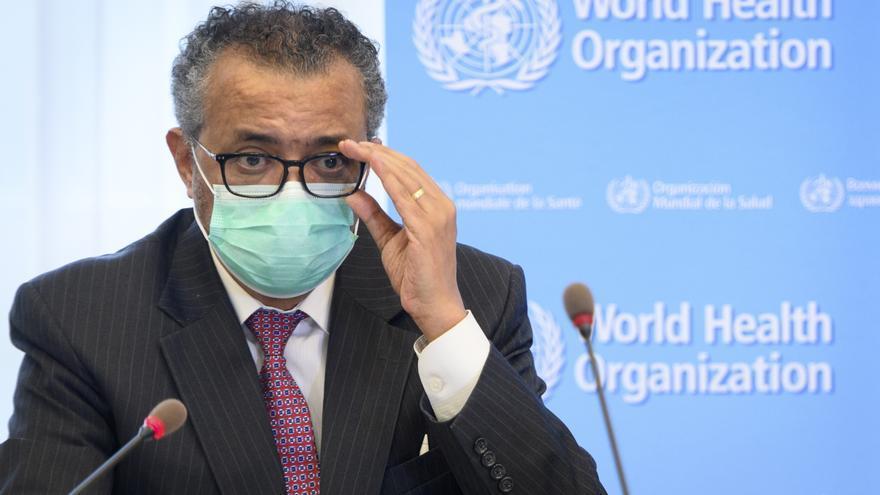 Contagios globales bajan por séptima semana consecutiva pero suben en África