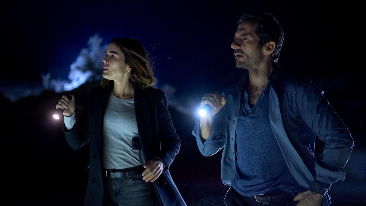Adriana Ugarte y Javier Albalá en una escena de 'Parot'
