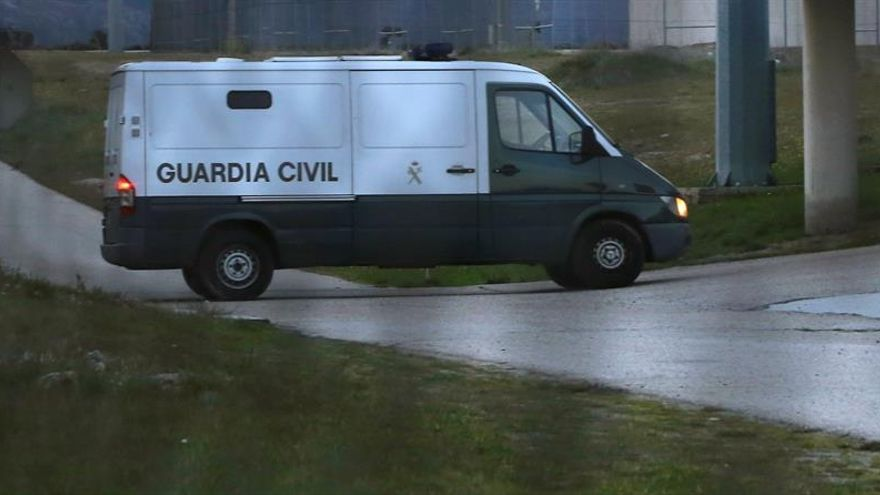 La Guardia Civil registra unos cuarenta ayuntamientos y entes públicos catalanes