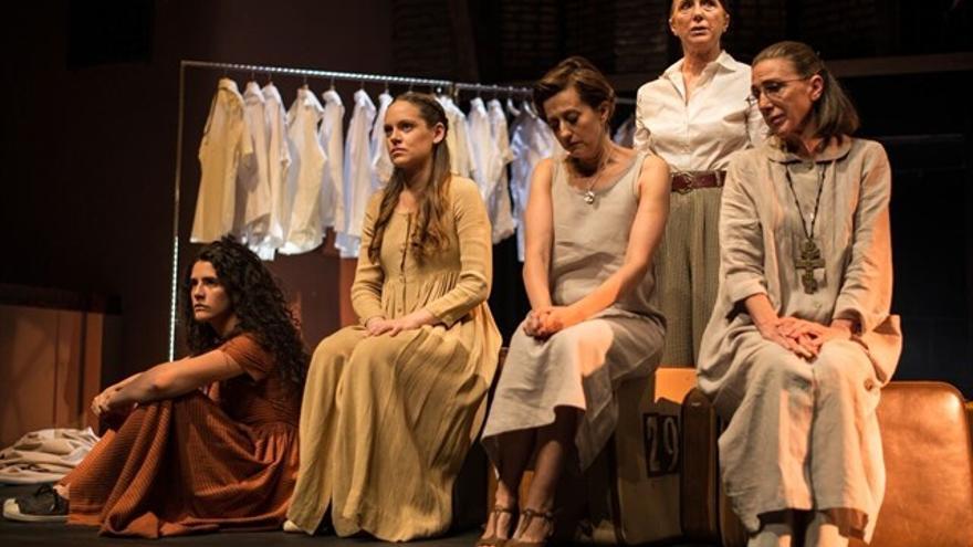 mujeres teatro