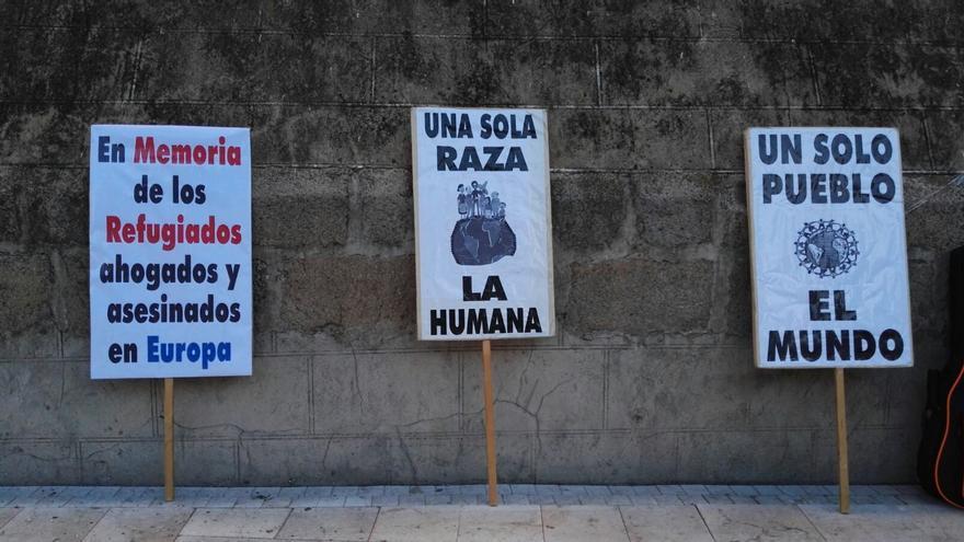 Las organizaciones han entregado a la Delegación del Gobierno en Badajoz y en la Subdelegación del Gobierno en Cáceres un documento apelando a un cambio de políticas del Ejecutivo español / RSR