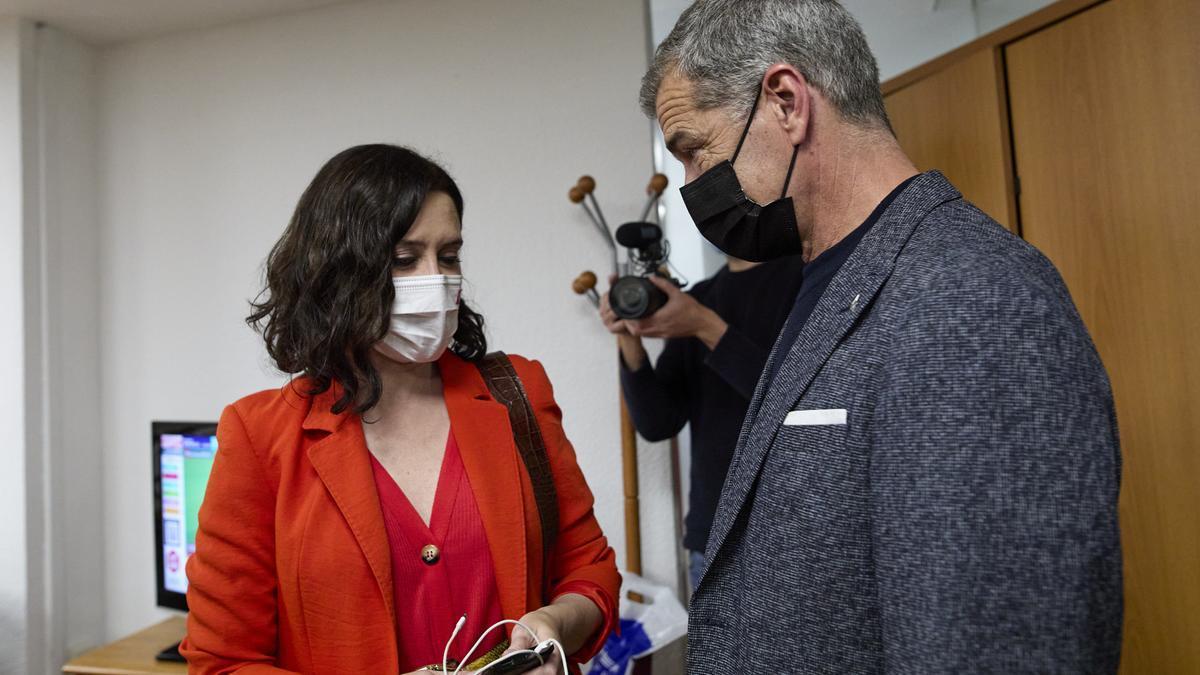 La presidenta de la Comunidad de Madrid, Isabel Díaz Ayuso, y Toni Cantó