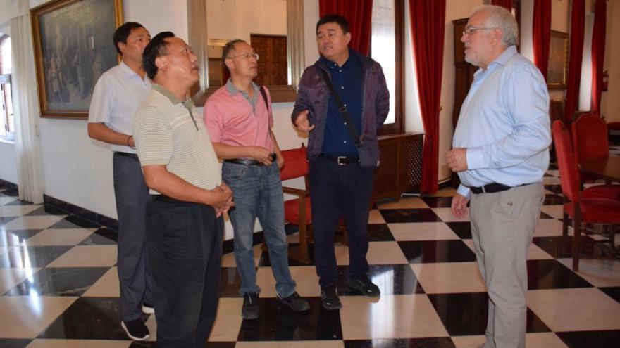 Una delegación china del Geoparque SHENNONGJIA se encuentra visitando el extremeño