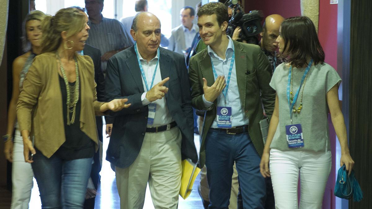 Jorge Fernández Díaz y Pablo Casado, en una imagen de archivo.