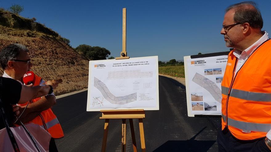 El director general de Carreteras del Gobierno de Aragón, Bizén Fuster (CHA), ha visitado las obras
