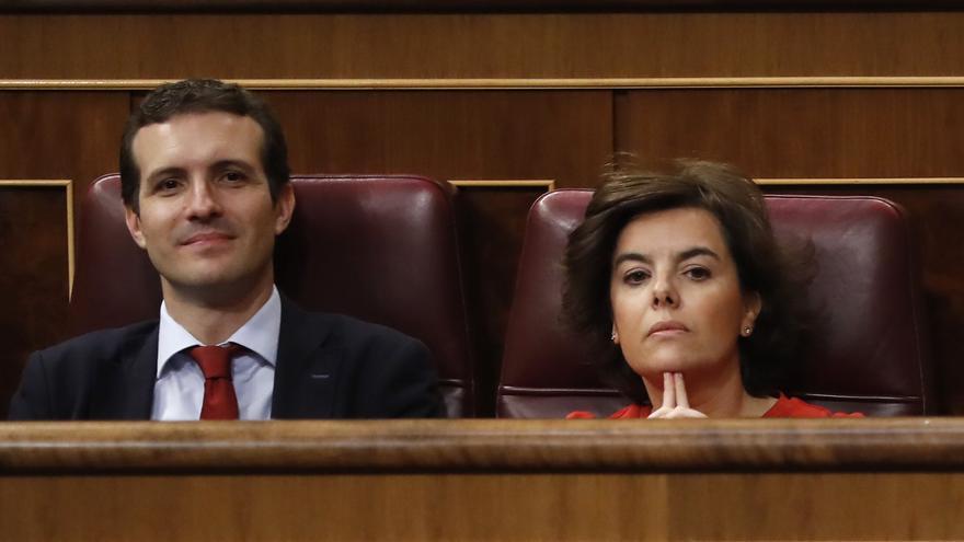 Pablo Casado y Soraya Sáenz de Santamaría, en el Congreso de los Diputados