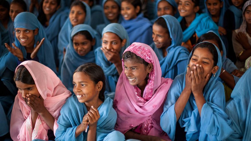 Niñas en una escuela de Bettiah Bihar (India) recibiendo un taller sobre la menstruación / MenstrualHigieneDay