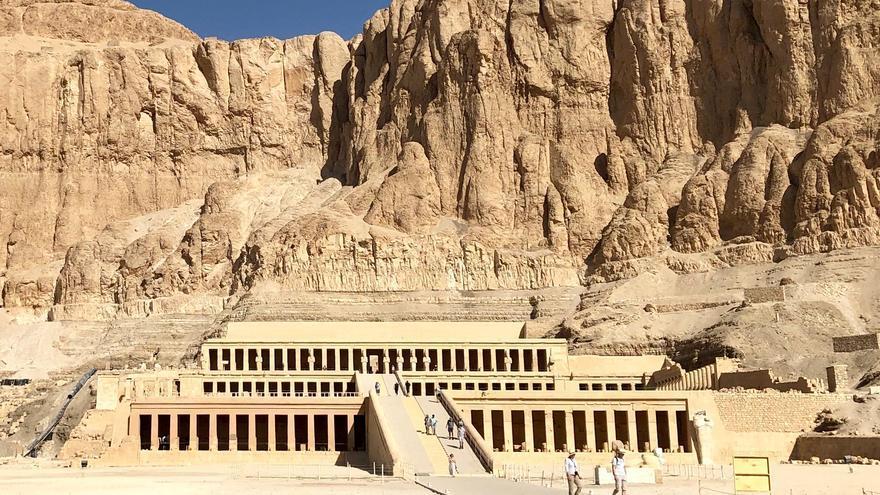 Deir El Bahari, la fastuosa tumba construida por orden de la reina Hatshepsut. Warren LeMay