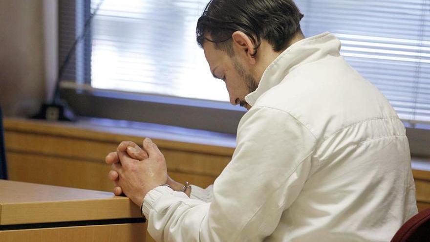 El acusado, David Batista Pérez, este lunes en el juicio. EFE/Cristóbal García