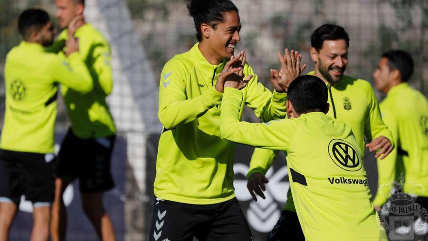 La UD Las Palmas examina sus opciones de seguir creciendo este martes ante el Real Zaragoza.