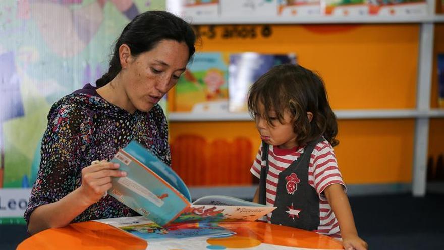 Quito inaugura su Feria Internacional del Libro, un laberinto de títulos y letras