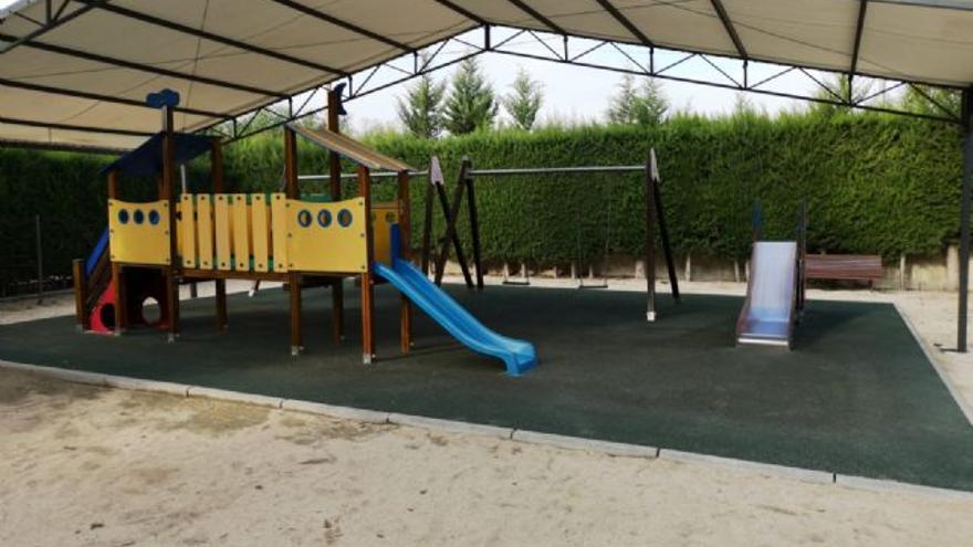 Molina de Segura invierte unos 50.000 euros parques de escuelas infantiles