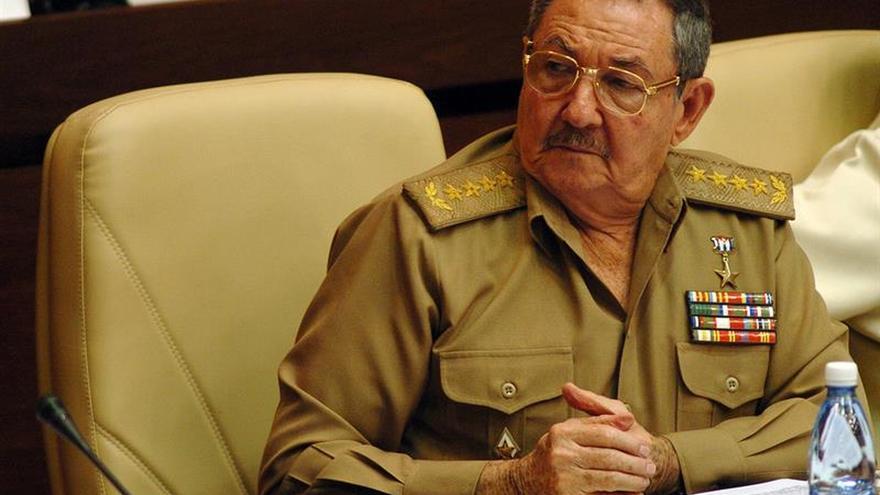 """Raúl Castro pide soluciones """"ágiles"""" a la falta de vivienda en Cuba"""