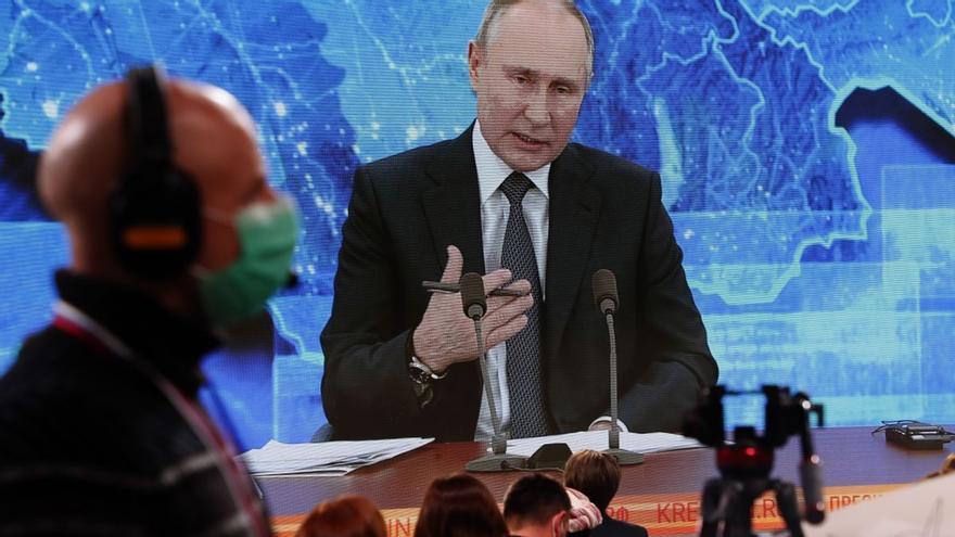 """Putin, sobre el envenenamiento de Navalni: """"Si los servicios de inteligencia hubiesen querido, habrían terminado el trabajo"""""""