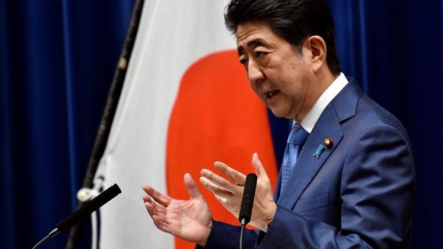 Tokio vota para elegir su parlamento local en unos comicios clave para Abe