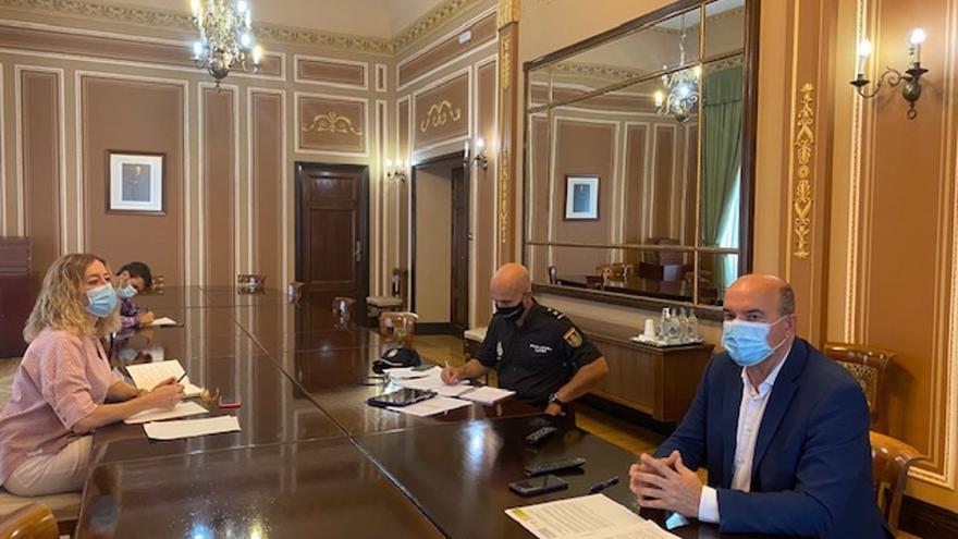 """El delegado del Gobierno en Canarias dice que """"la pequeña descoordinación"""" que retrasó el rescate de un cayuco fue un """"caso excepcional"""""""
