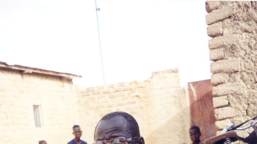 Souleymane Guengueng  sobrevivió a tres de las prisiones de Habré.  Fue quien recogió 792 testimonios de otros prisioneros después del derrocamiento de Habré/ Foreing Policy