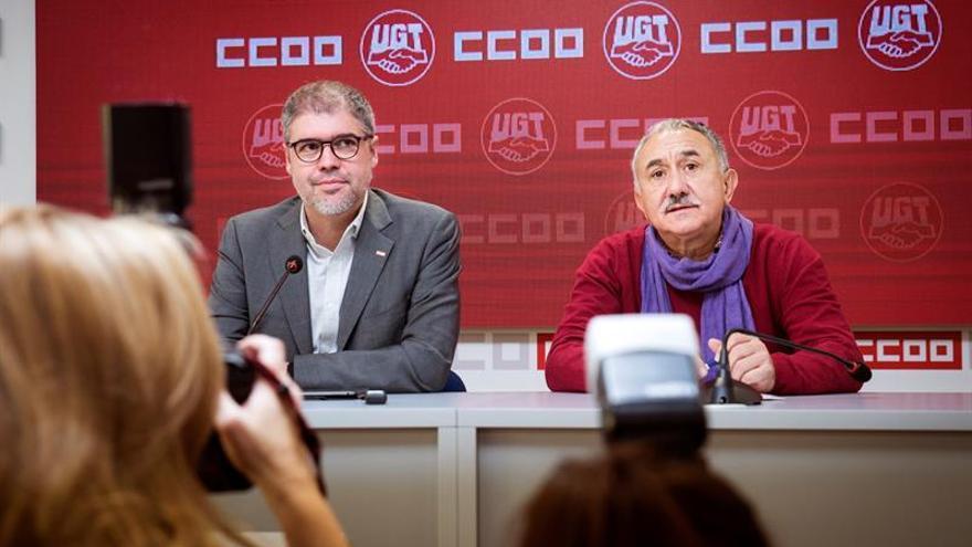 Los líderes de CCOO y UGT, Unai Sordo (i) y Pepe Álvarez, en imagen de archivo.