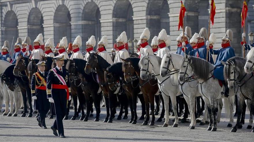El Rey llama a los militares a no caer en el desaliento frente al terrorismo