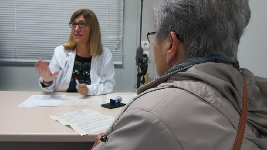 Cantabria cuenta con 7,8 médicos por cada 10.000 habitantes, por encima de la media nacional de 7,6