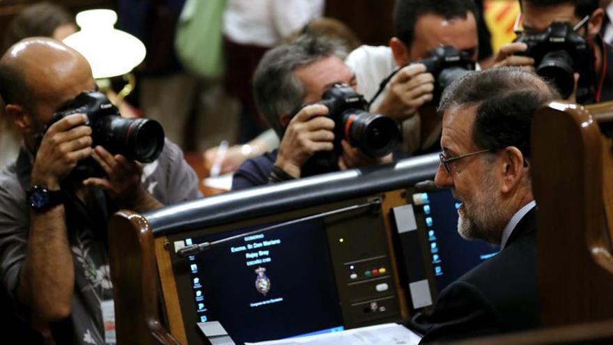 """Rajoy acusa a Iglesias de """"corrupción de valores democráticos"""" por Venezuela"""