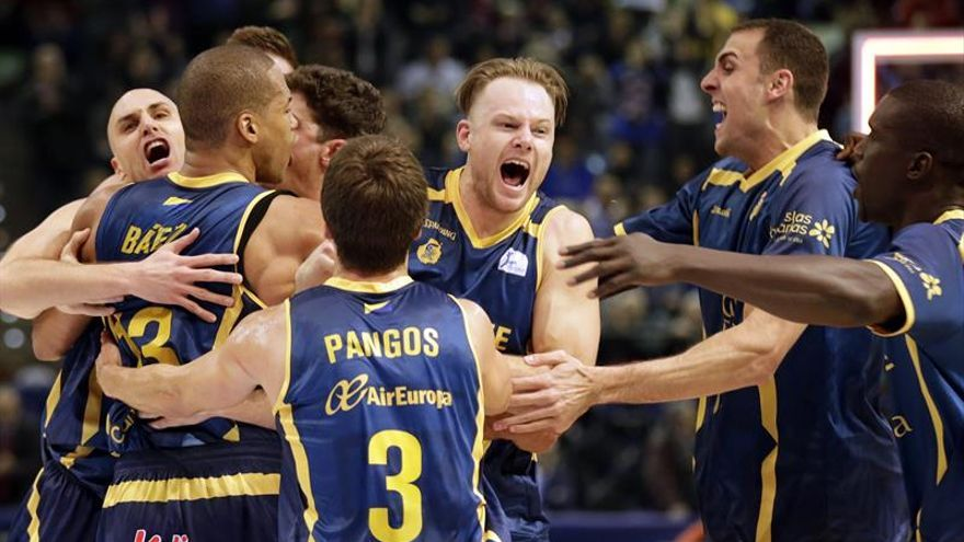 Partido de cuartos de final de la Copa del Rey entre el Valencia Basket y el Herbalife Gran Canaria en La Coruña. Efe.