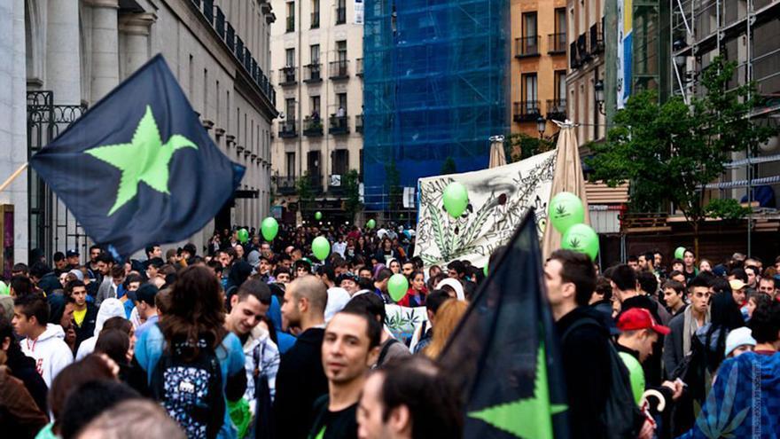 Manifestación por la legalización en Madrid, el 14 de mayo de 2011.