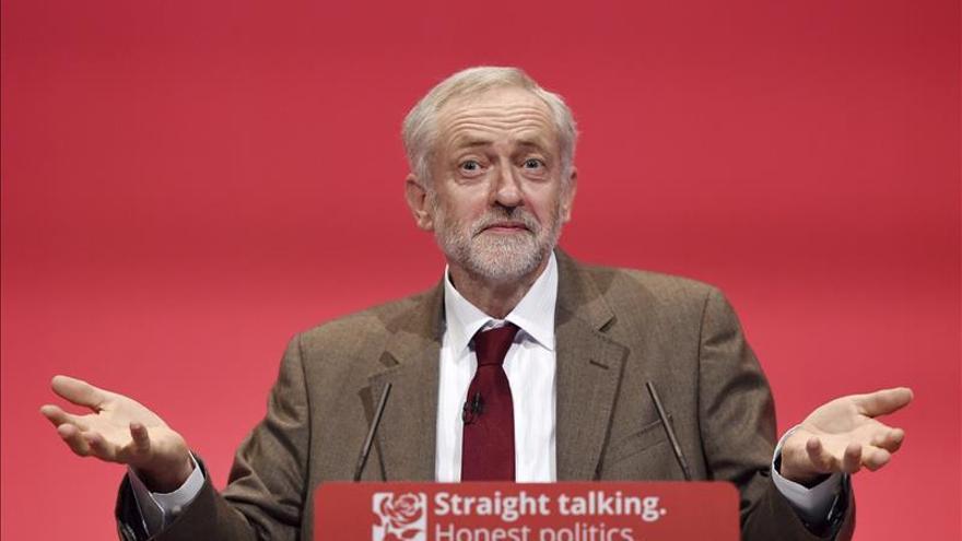 """Corbyn defiende un programa de """"cambio"""" contra la austeridad económica"""