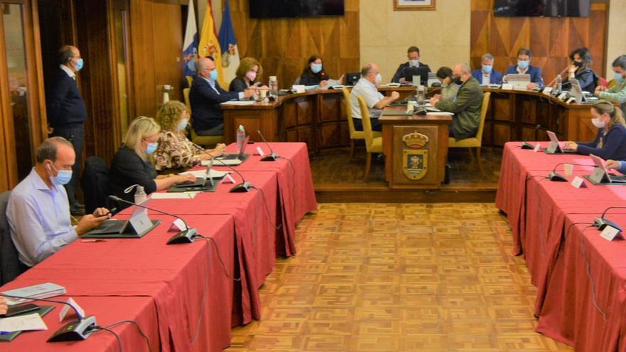 """El Cabildo """"al completo"""" pide al Gobierno de Canarias que recupere la totalidad de los fondos del Fdcan"""