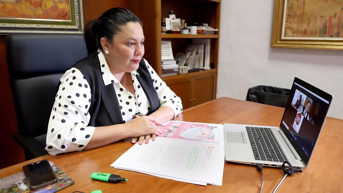 La vicepresidenta primera de la Diputación, Dolores Amo, participa en una nueva sesión de la II Jornadas 'Activa la Comarca. 4 décadas de historia empresarial'.