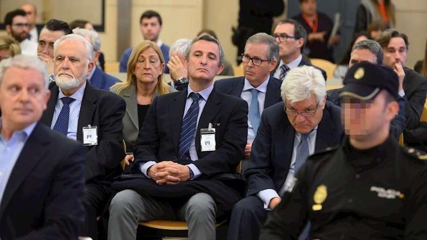 Pedro García, exdirector general de RTVV en el banquillo del juicio de la visita del Papa.