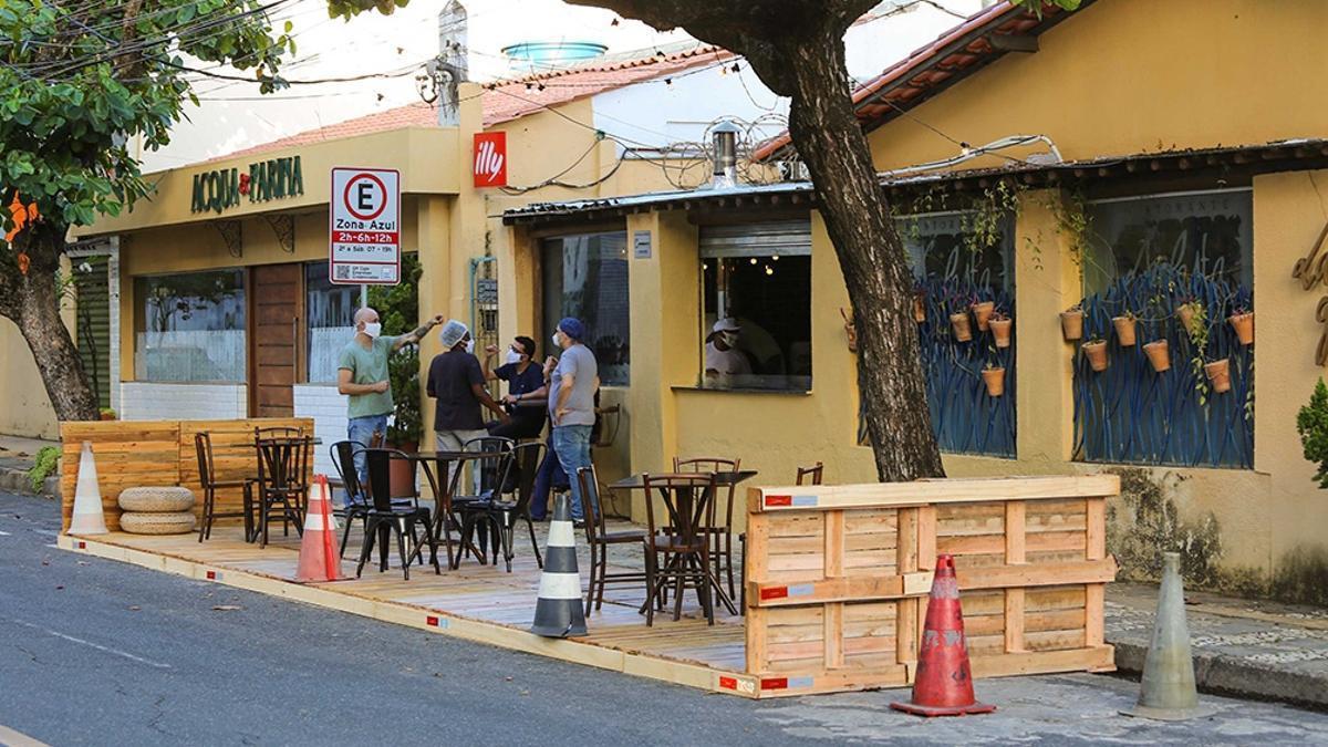 """En San Pablo, la ciudad más grande de Brasil y Sudamérica, exigirán """"pasaporte de vacuna"""" para ingresar a lugares cerrados como bares y comercios."""