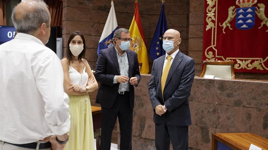 La lista de espera en dependencia vuelve a ser la principal queja de los canarios a la Diputación del Común