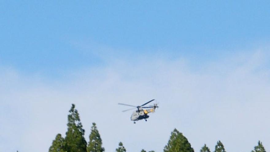 De un helicóptero posándose en el Tablón del Nublo #13