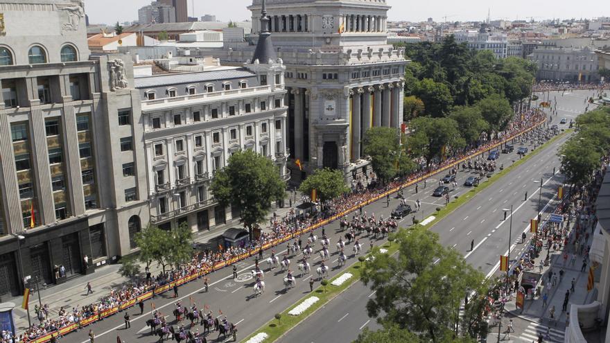 La comitiva real, a su paso por la calle Alcalá de Madrid / Gtres