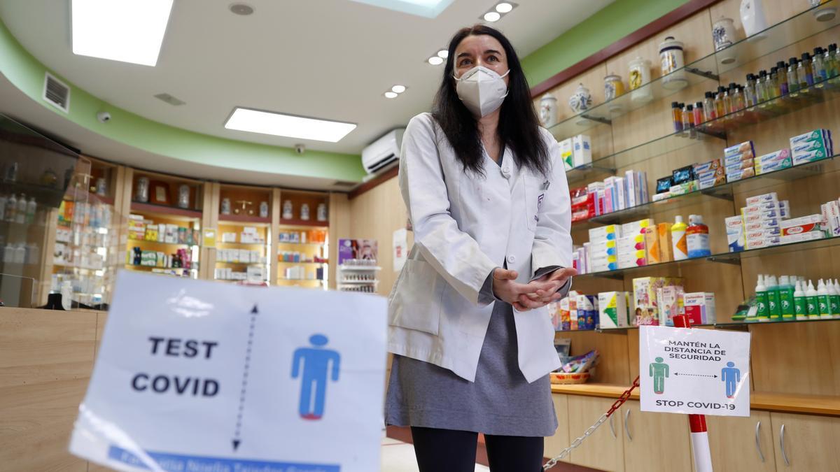 Una farmacia de Madrid con posibilidad de hacer test COVID. EFE/ Mariscal/Archivo