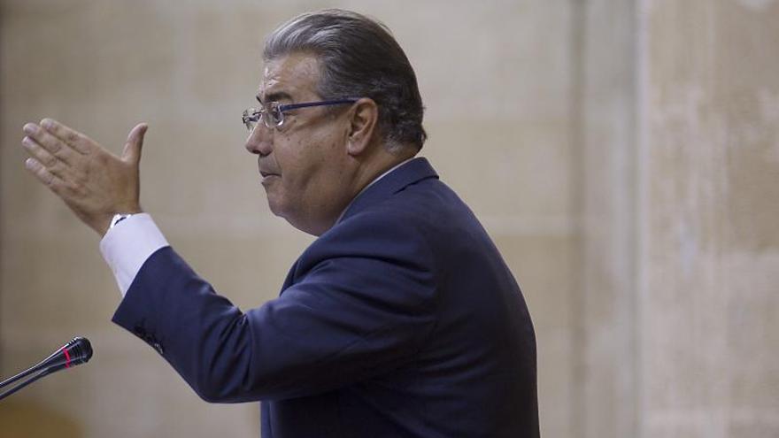 El PP critica que Díaz defienda expropiaciones pero se haga fotos con Botín