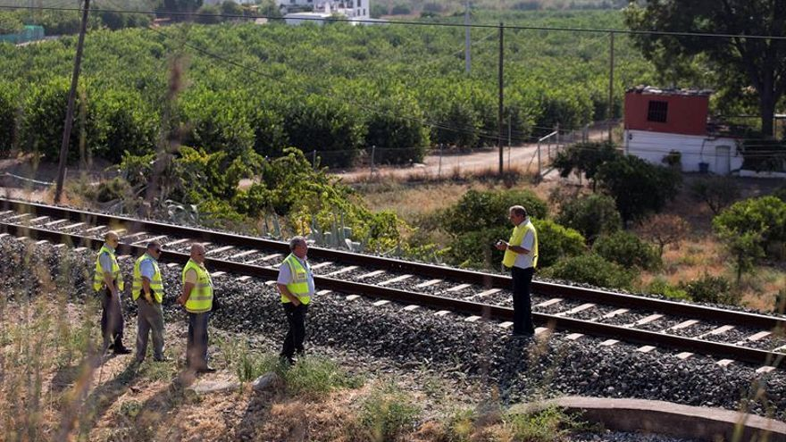 Un maquinista vio en la vía el cadáver de la niña desaparecida en Pizarra