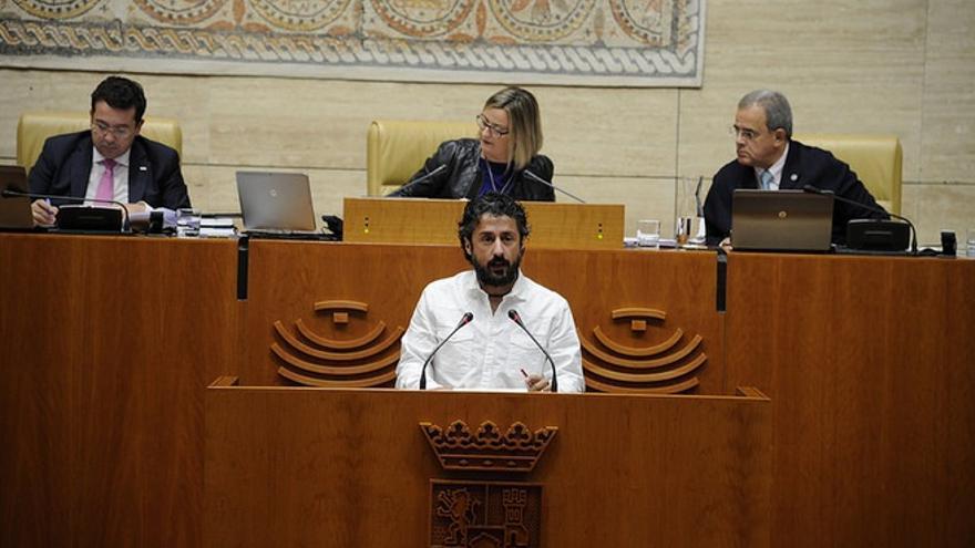 El diputado de Podemos, Eugenio Romero, en el pleno  / Asamblea de Extremadura