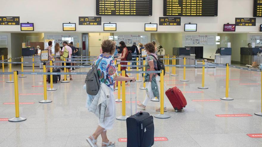 Baleares dejará de hacer controles por la covid-19 en puertos y aeropuertos el 31 de octubre