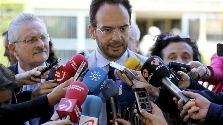 """Hernando dice que el PSOE ha entendido el mensaje del 24M """"con toda humildad"""""""
