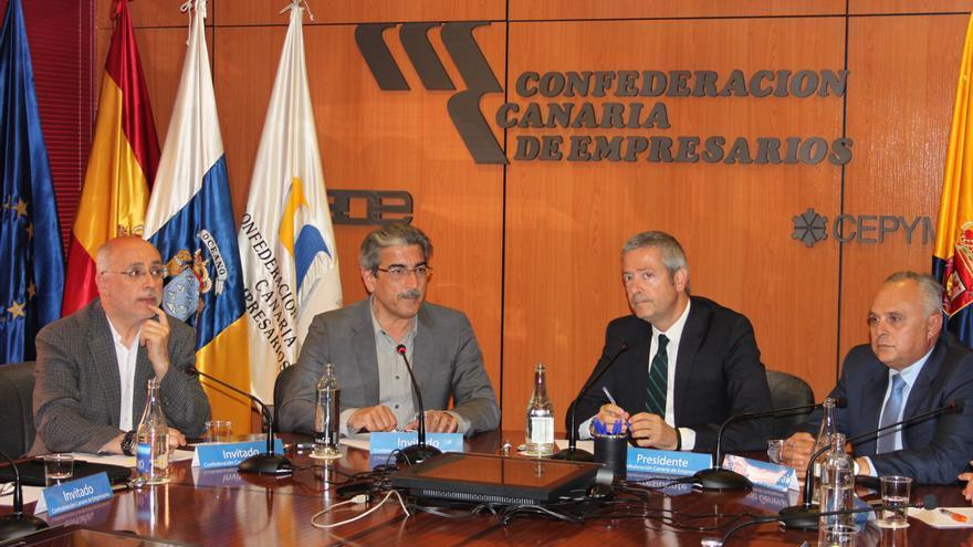 Rodríguez mantuvo una reunión con la directiva de la Confederación Canaria de Empresarios.