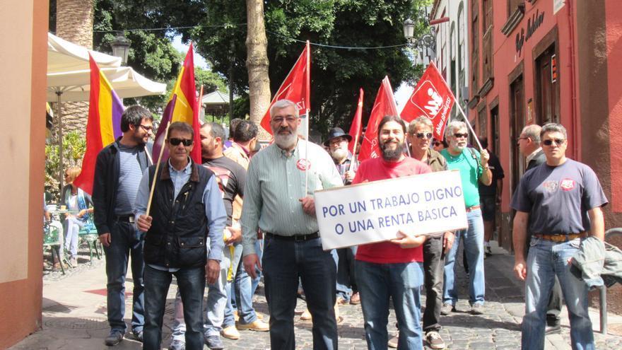 En la imagen, participantes en la 'Marcha por la Dignidad', este sábado. Foto: LUZ RODRÍGUEZ.