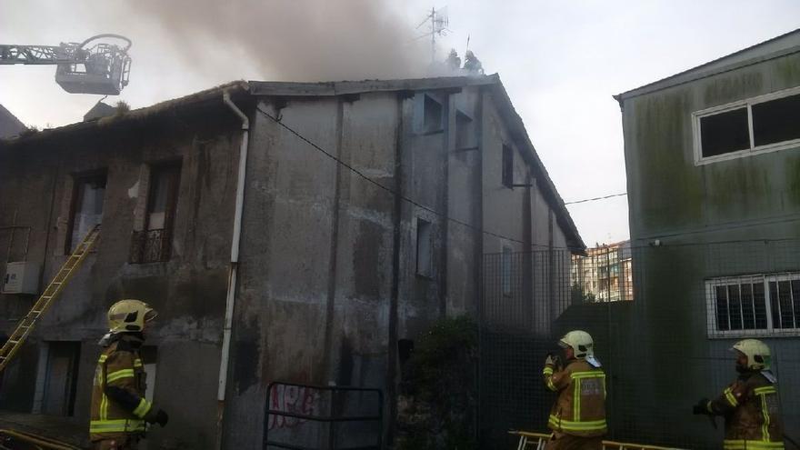 Cuatro muertos y ocho personas evacuadas a centros hospitalarios tras un incendio en el barrio bilbaíno de Zorroza