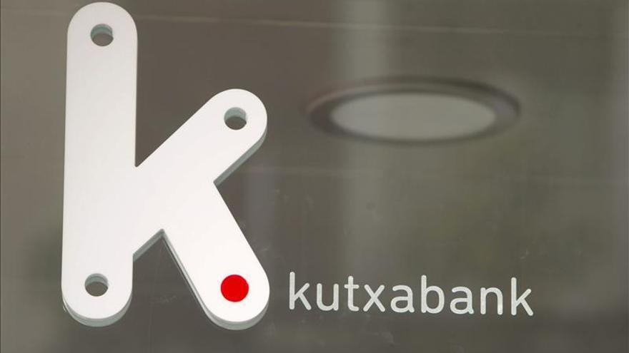 Kutxabank vende a un fondo de inversión la mitad de sus activos inmobiliarios